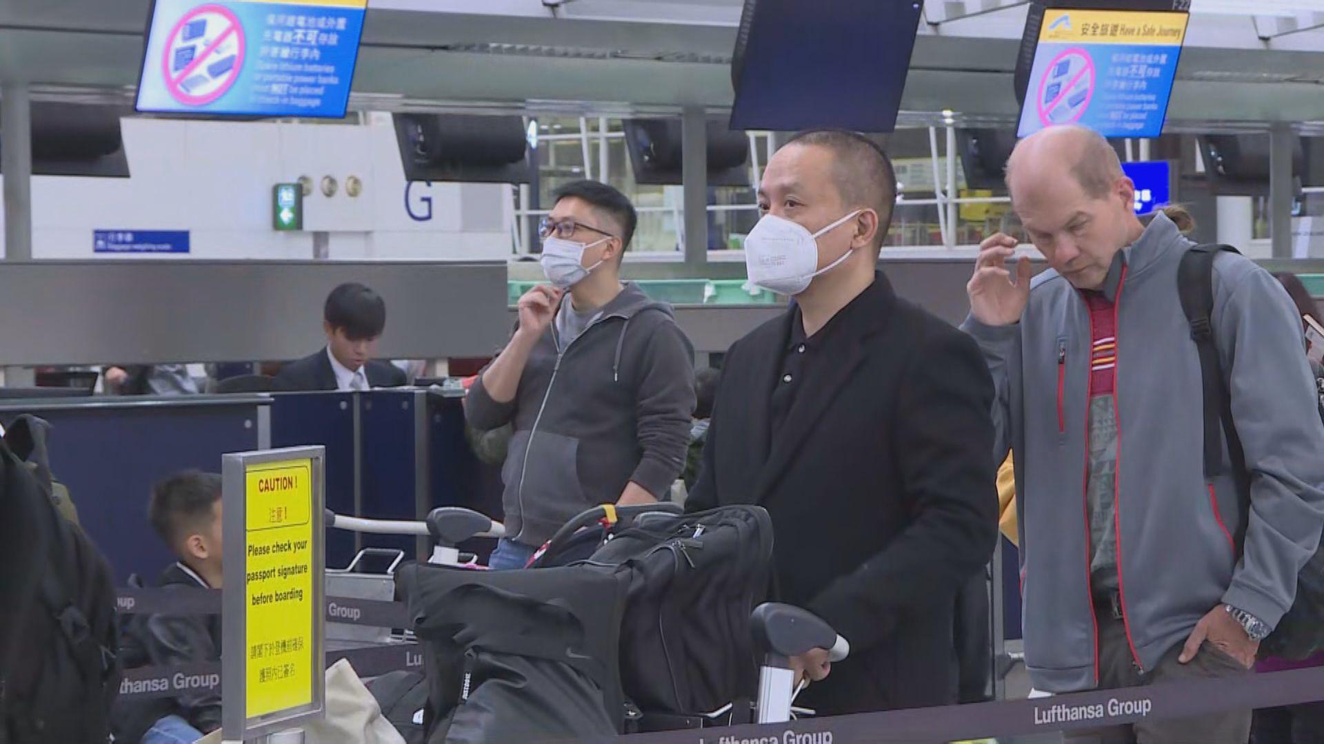 林鄭:全面封關禁止旅客內地入境實際上不可行
