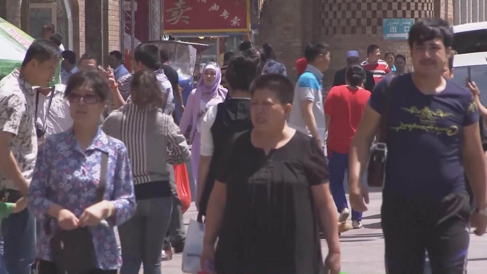 新疆新增五宗確診 烏魯木齊數百班航班取消