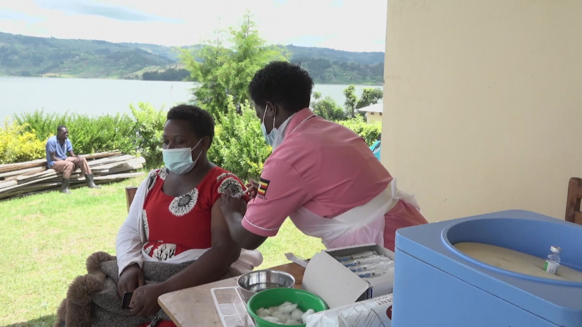 約翰遜冀G7領袖攜手助全球明年完成疫苗接種