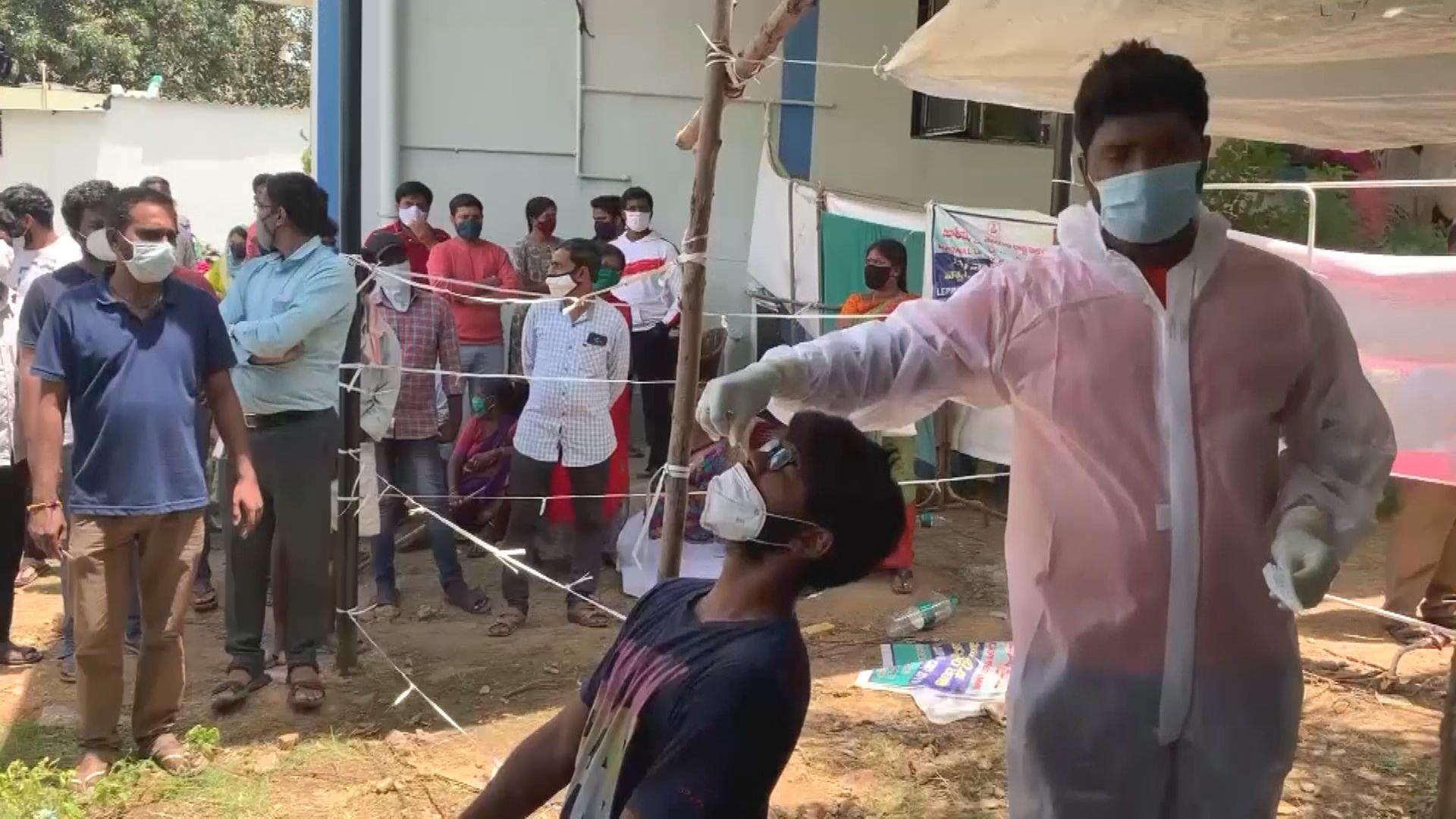 印度新增逾六萬宗新冠病毒確診個案