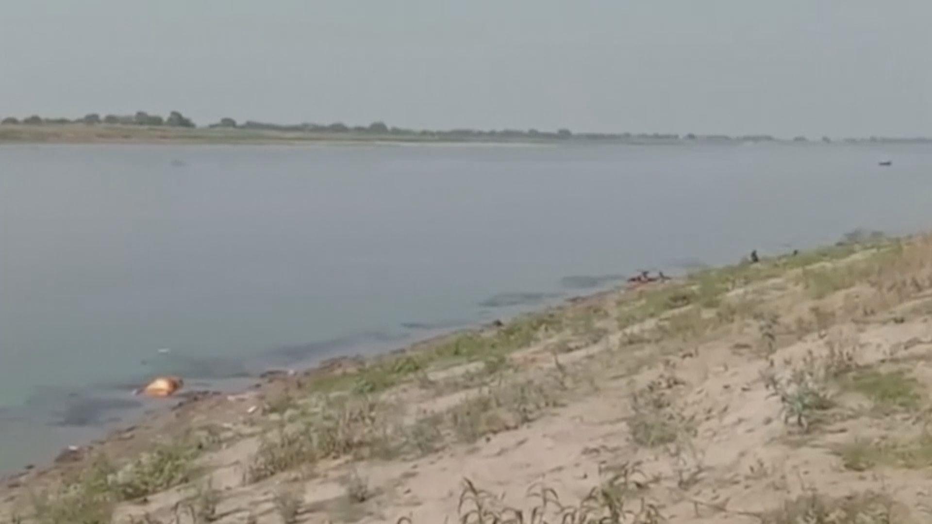 印度官員首度承認有確診患者遺體被拋進恆河