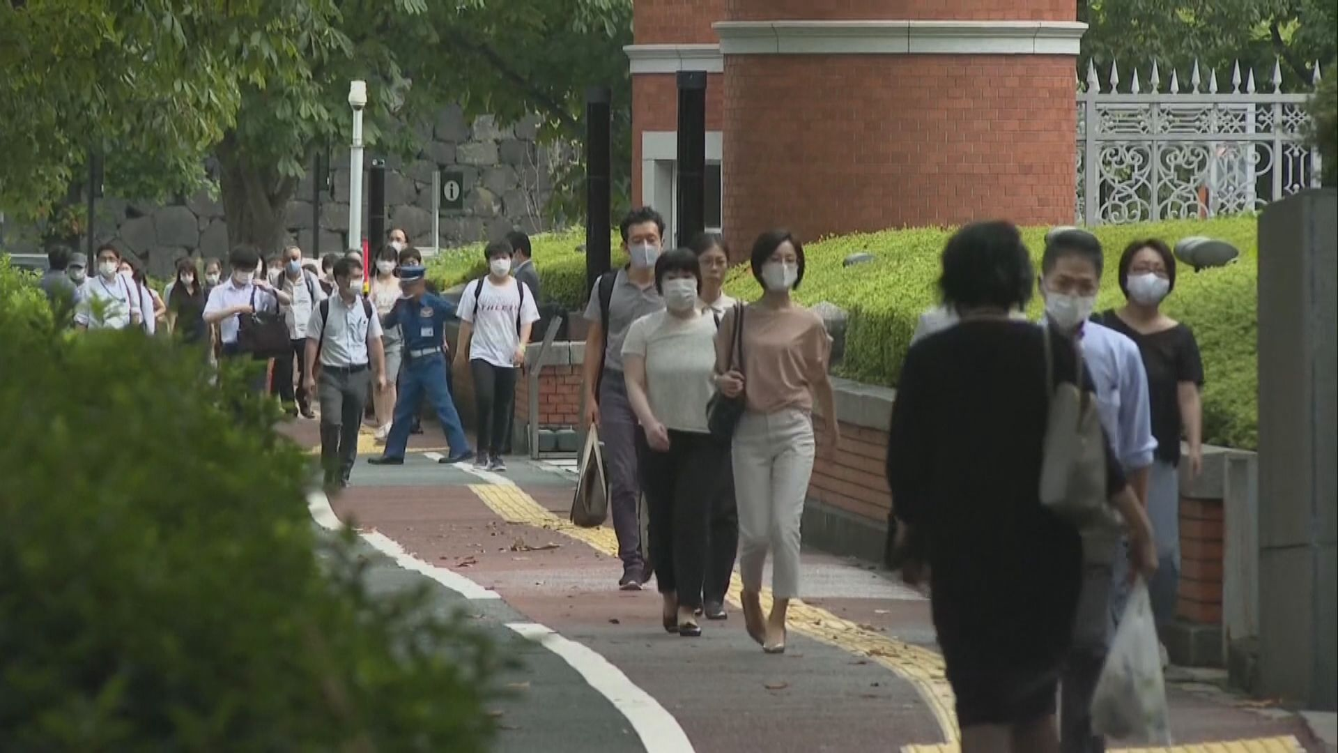 日本逾2300人確診破單日紀錄 東京都疫情警戒級別升至最高