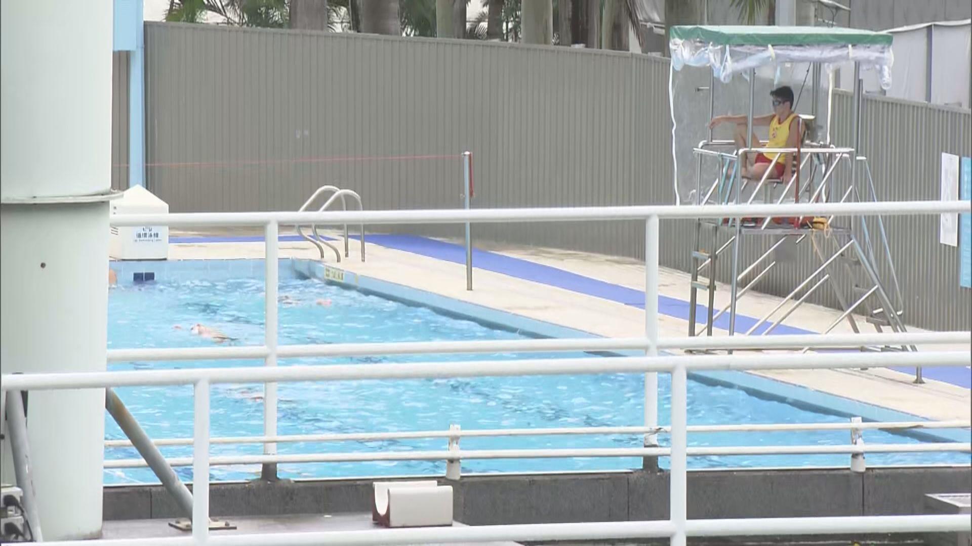 泳池重開 有泳客指上水後會盡快更衣戴口罩