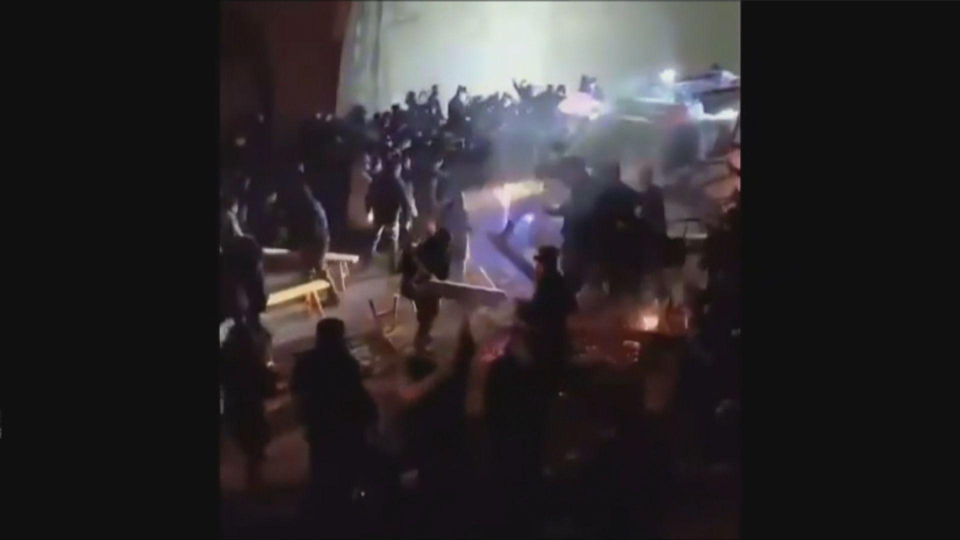 消息指福建村民堵路抗議建隔離中心