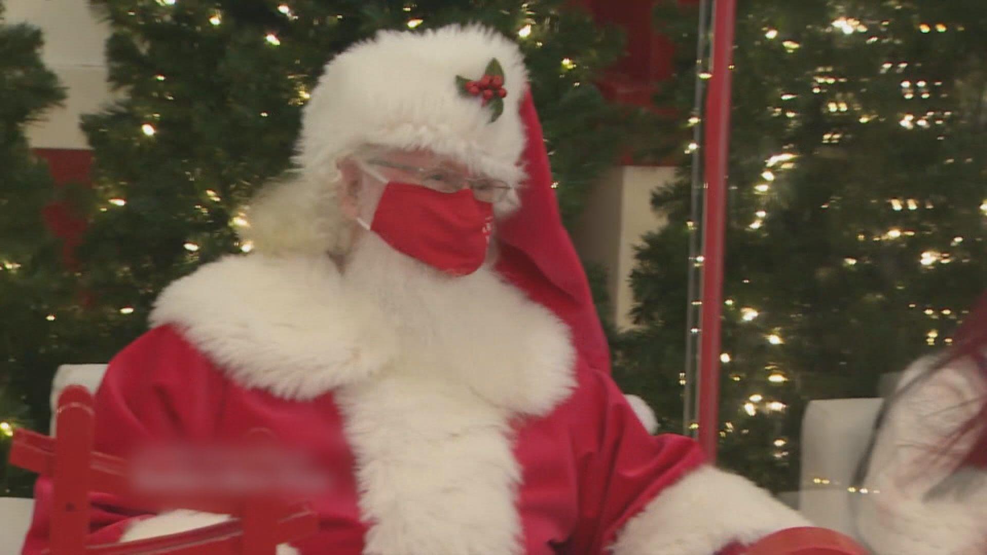 新冠疫情下 聖誕老人多重「隔膜」抗疫