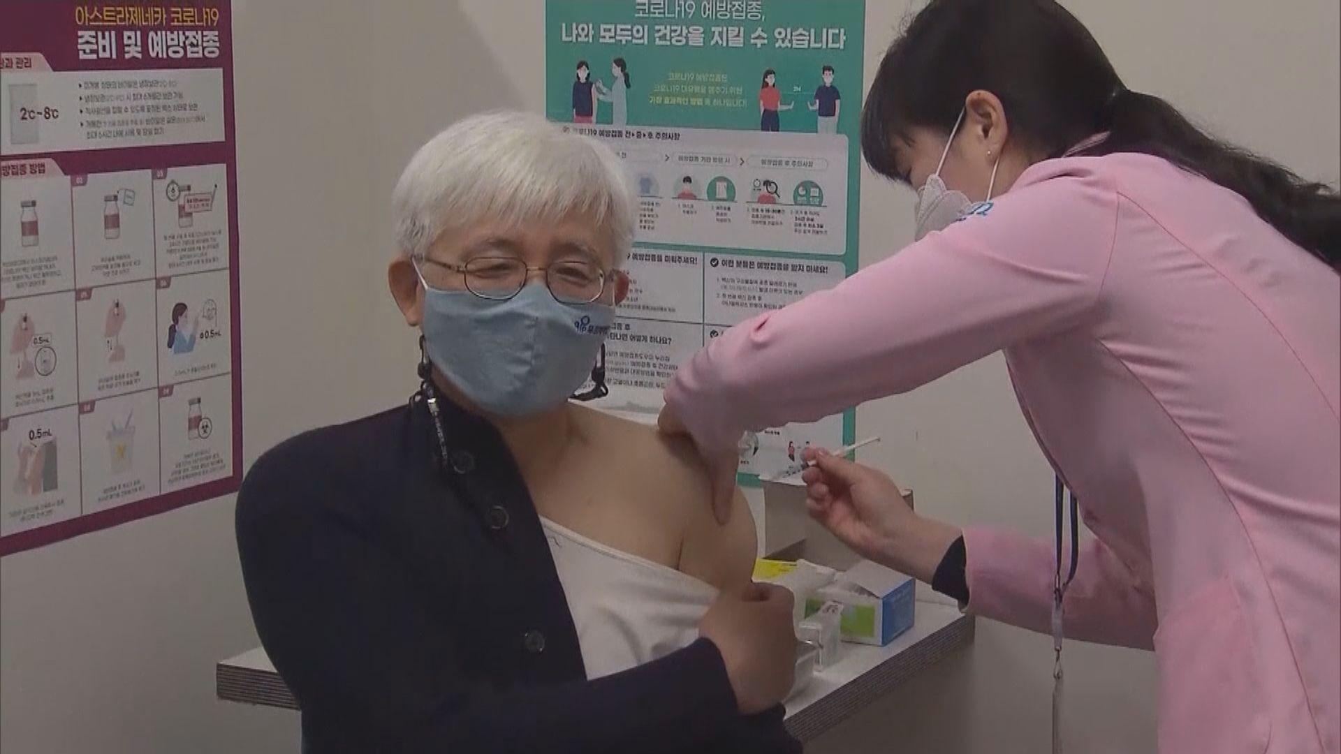 南韓安排民眾混合接種兩劑疫苗
