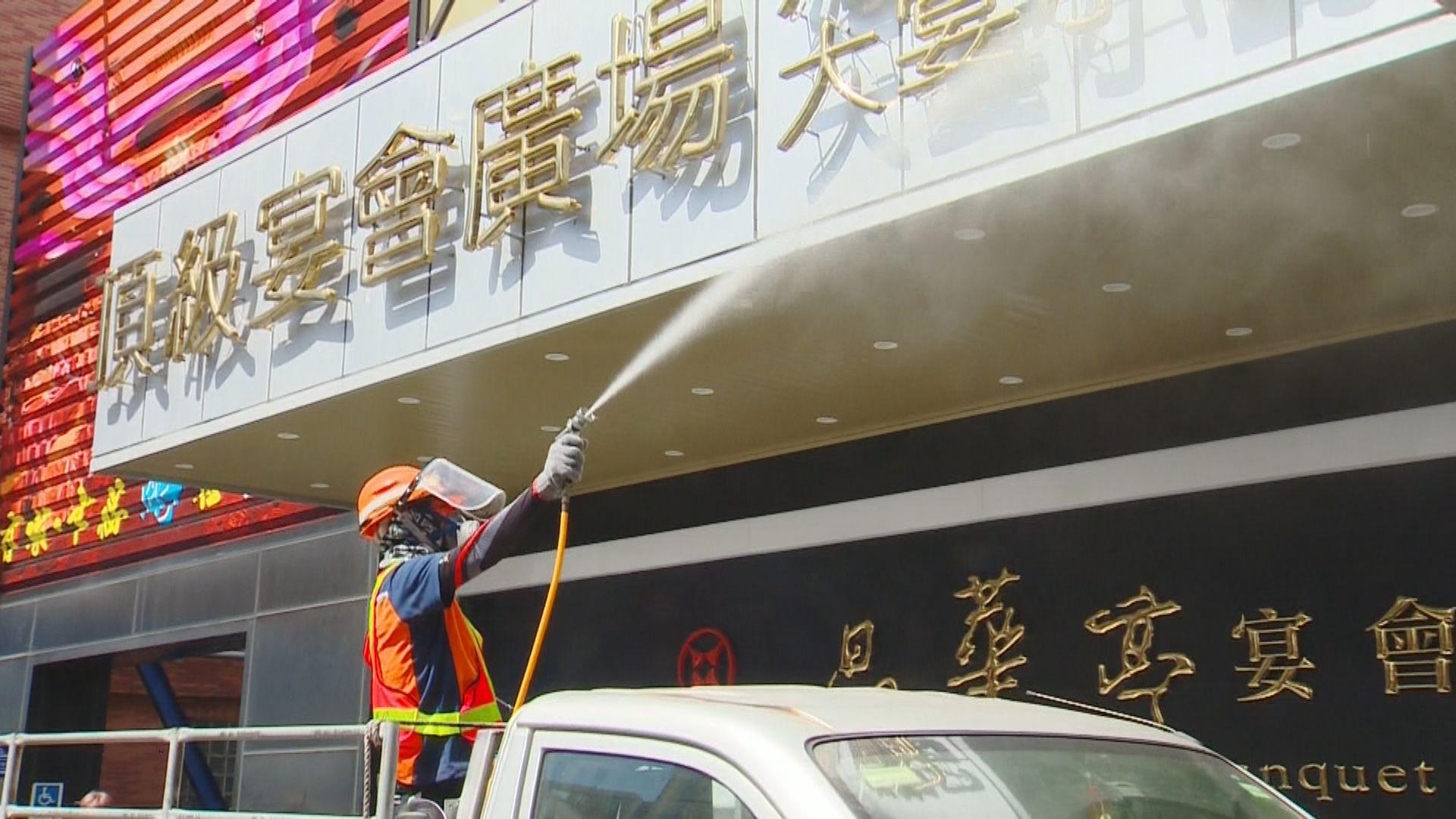 台灣疫情持續升溫 惟當局無計劃將疫情警戒升至第三級
