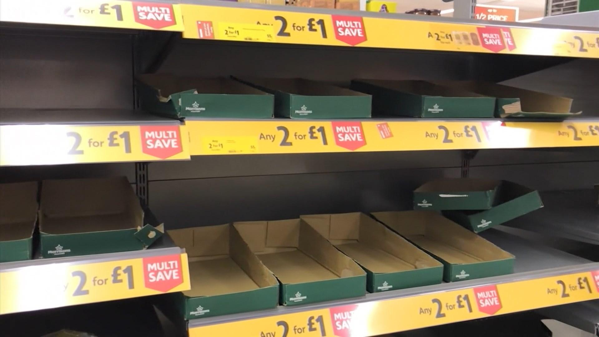 英國確診人數大增多處出現搶購潮