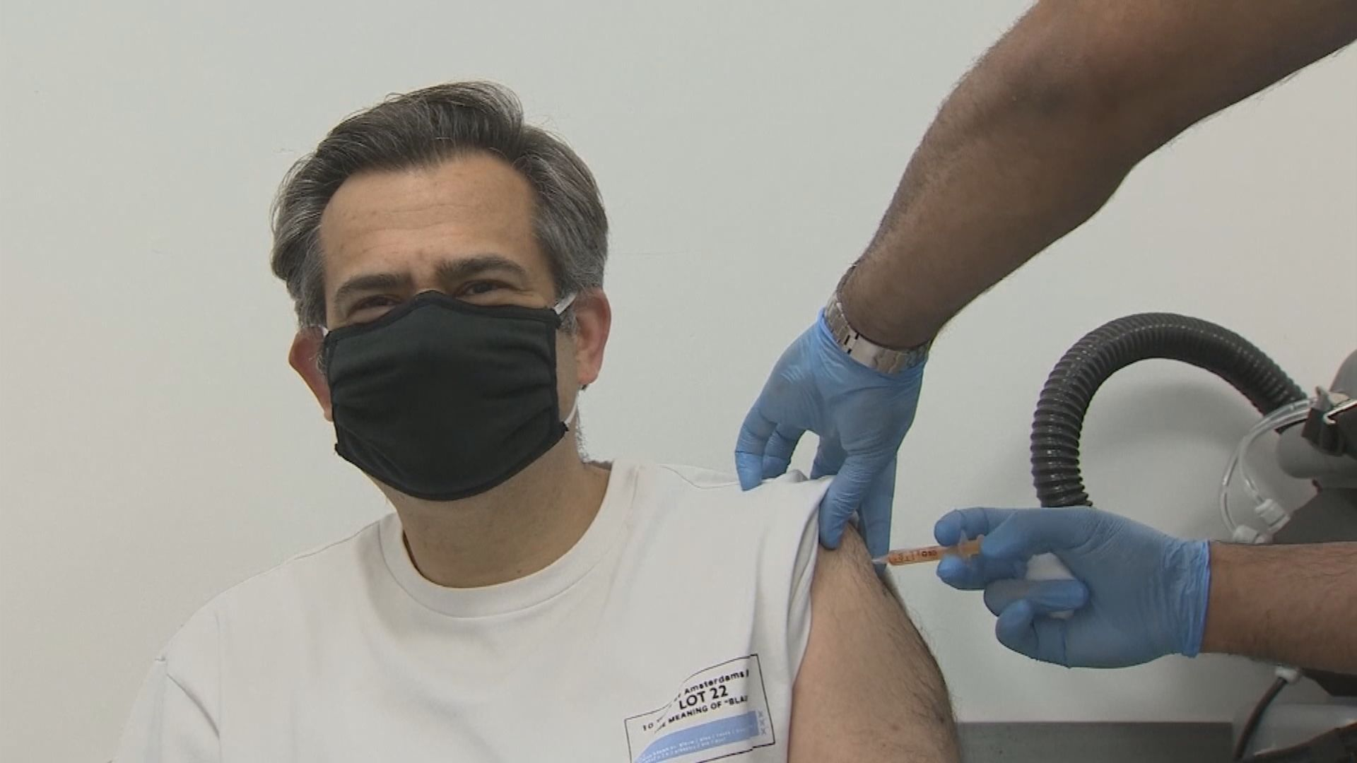 英國衞生大臣:致力七月底前為所有成年人接種新冠疫苗