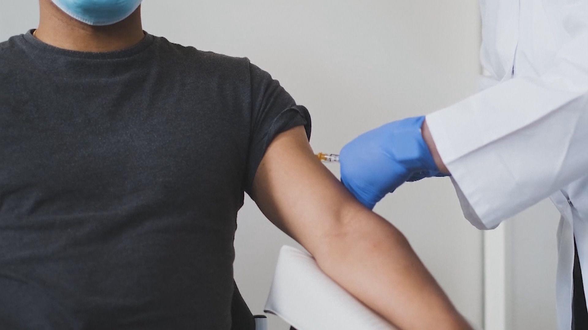 英下周起為高風險人士接種新冠疫苗 約翰遜:不會強制民眾接種