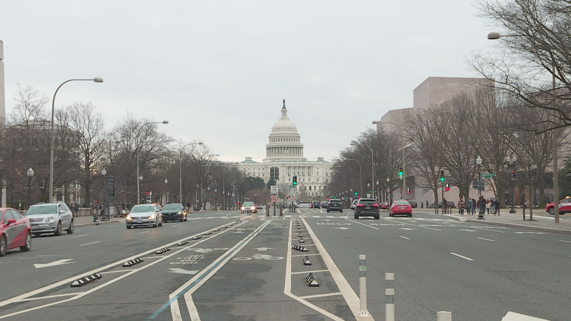 美國疫情蔓延至約一半州份 首都華盛頓失守