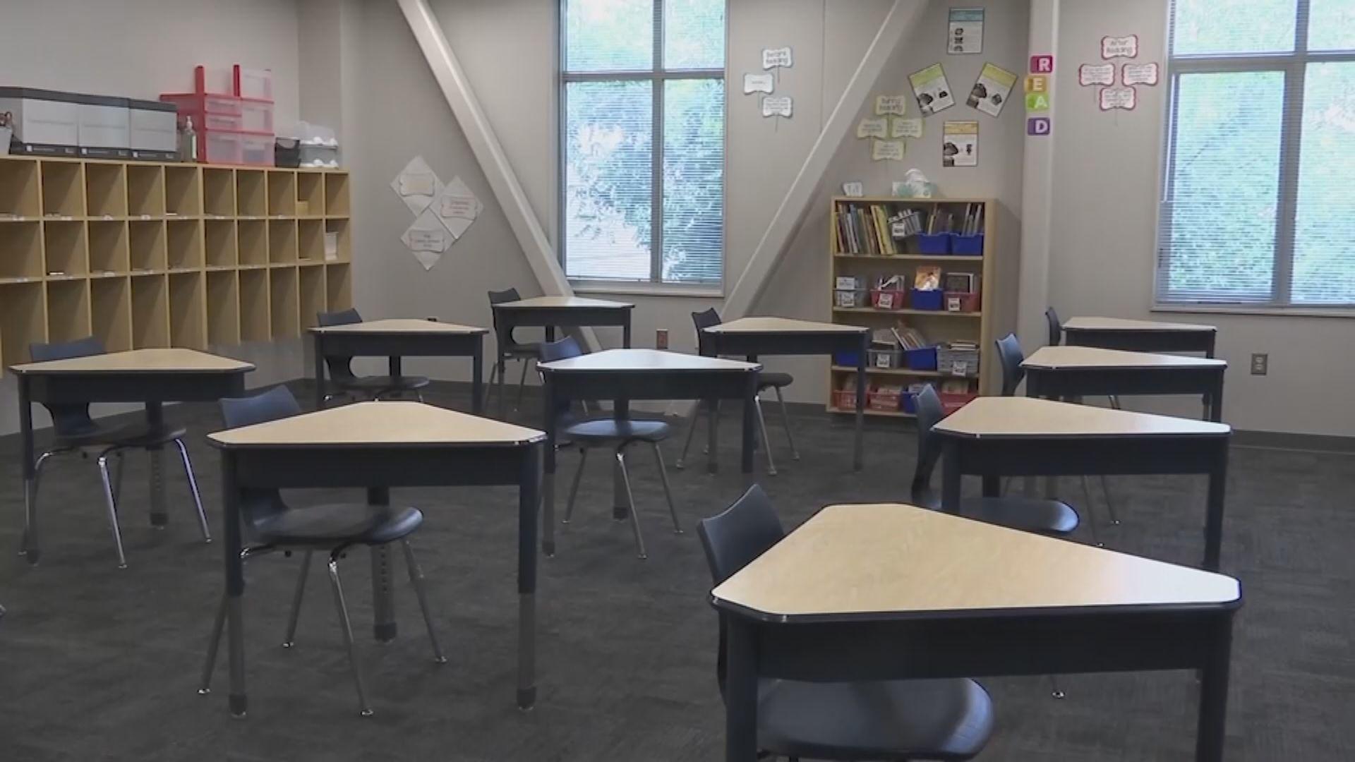特朗普再堅持學校如期復課