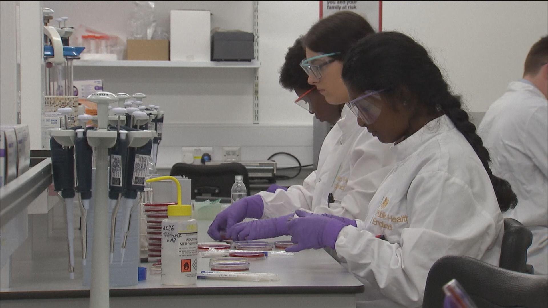 英國新型冠狀病毒疫苗有效率為七成
