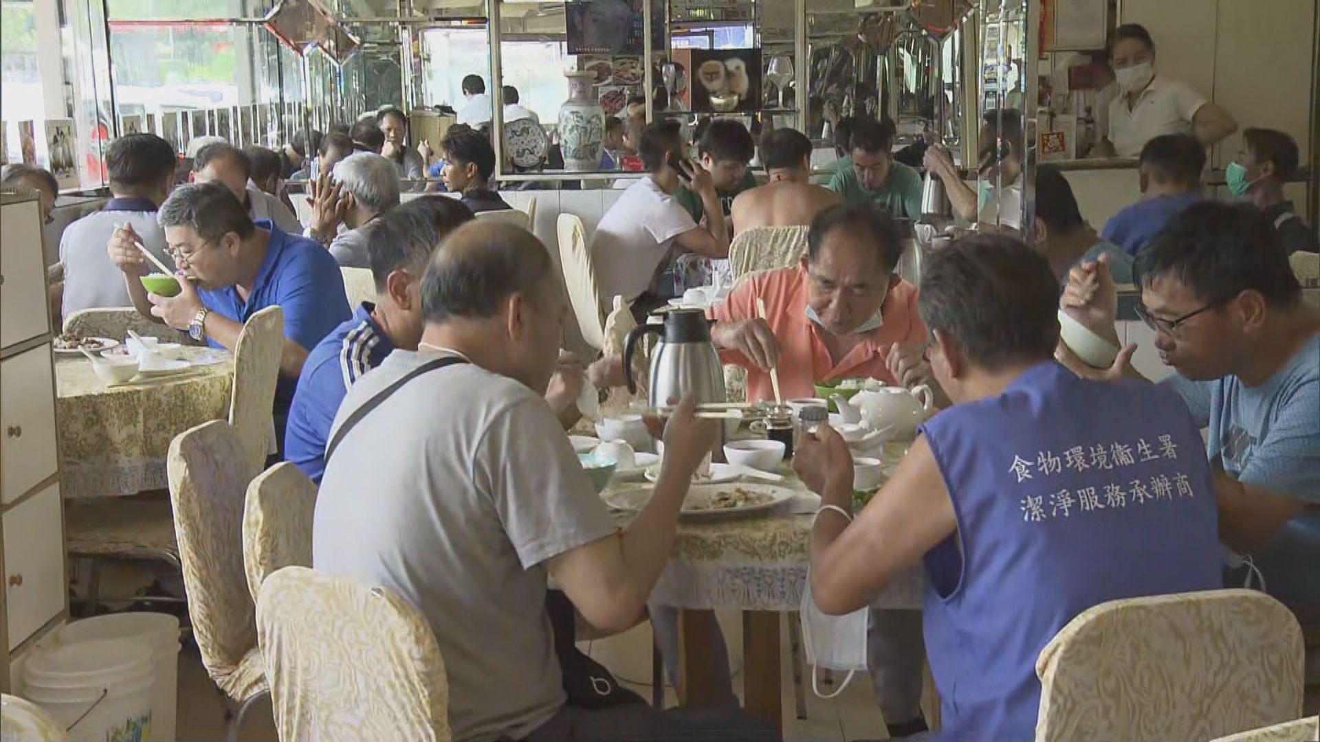 袁國勇:第三波疫情爆發跟政府放寬措施有更大關係