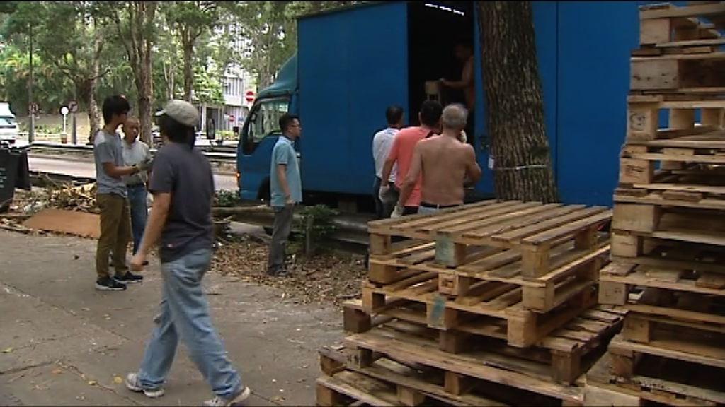 橫洲村民擬在村口布防阻政府收地
