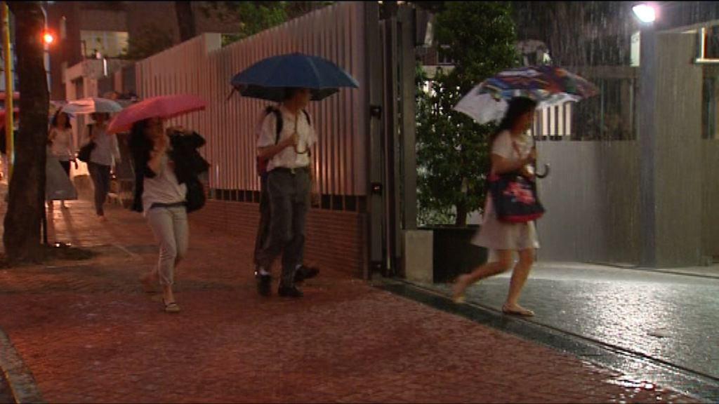 吳克儉:發出暴雨信號時將同步停課