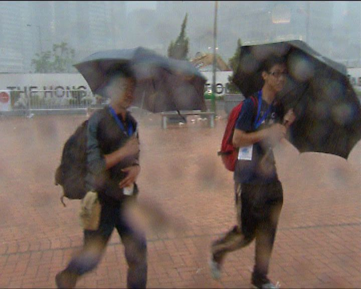 天文台不排除改發更高暴雨警告訊號