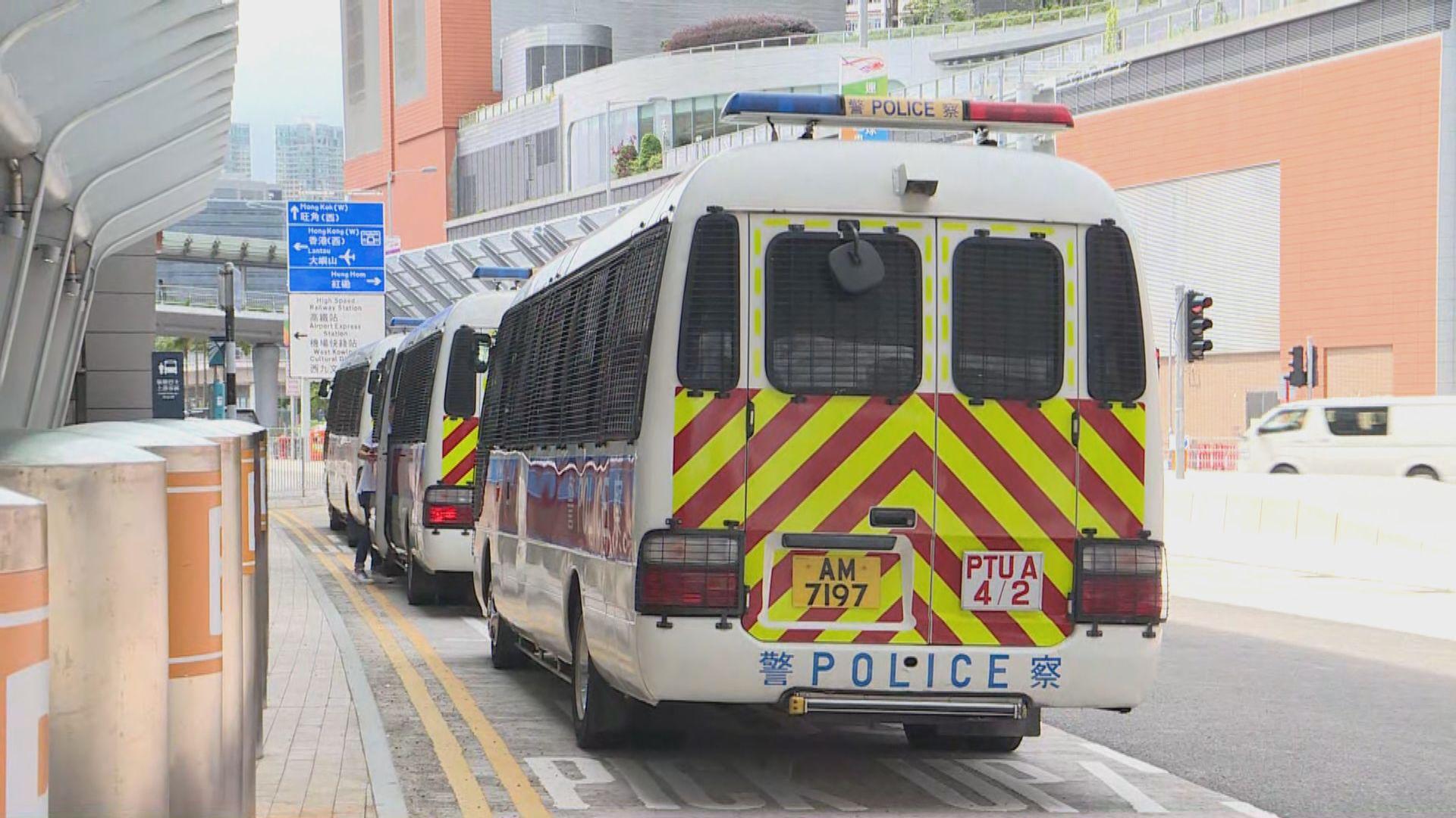 周日尖沙咀遊行宣傳反修例 警西九龍站布防