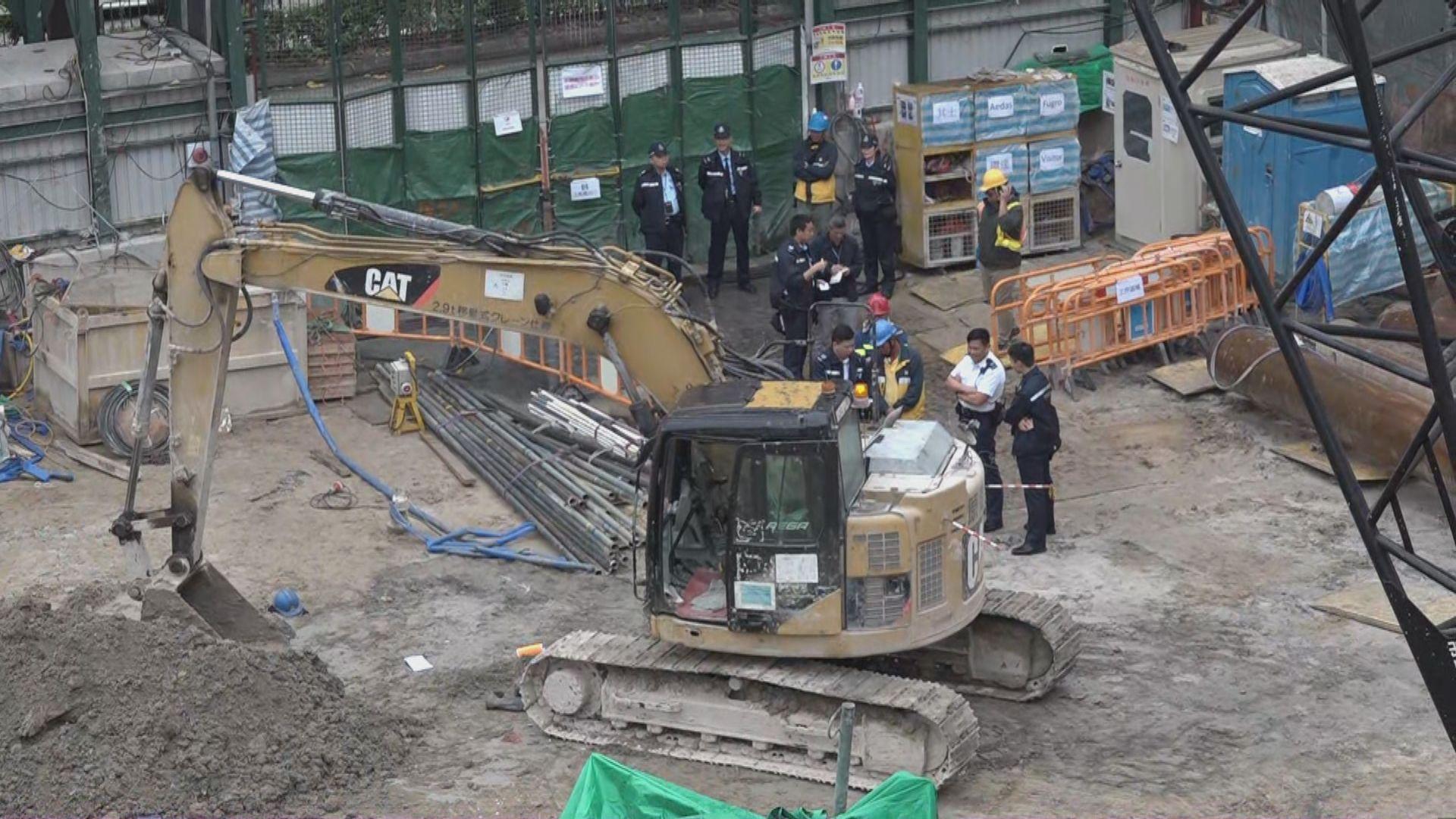九龍城地盤工人疑被挖泥車輾斃