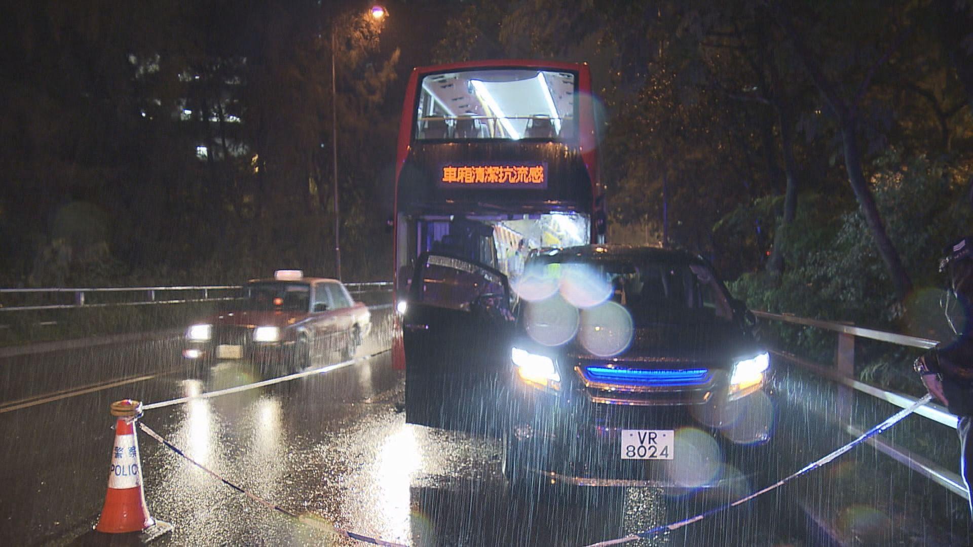 九龍灣私家車司機遭截停襲擊