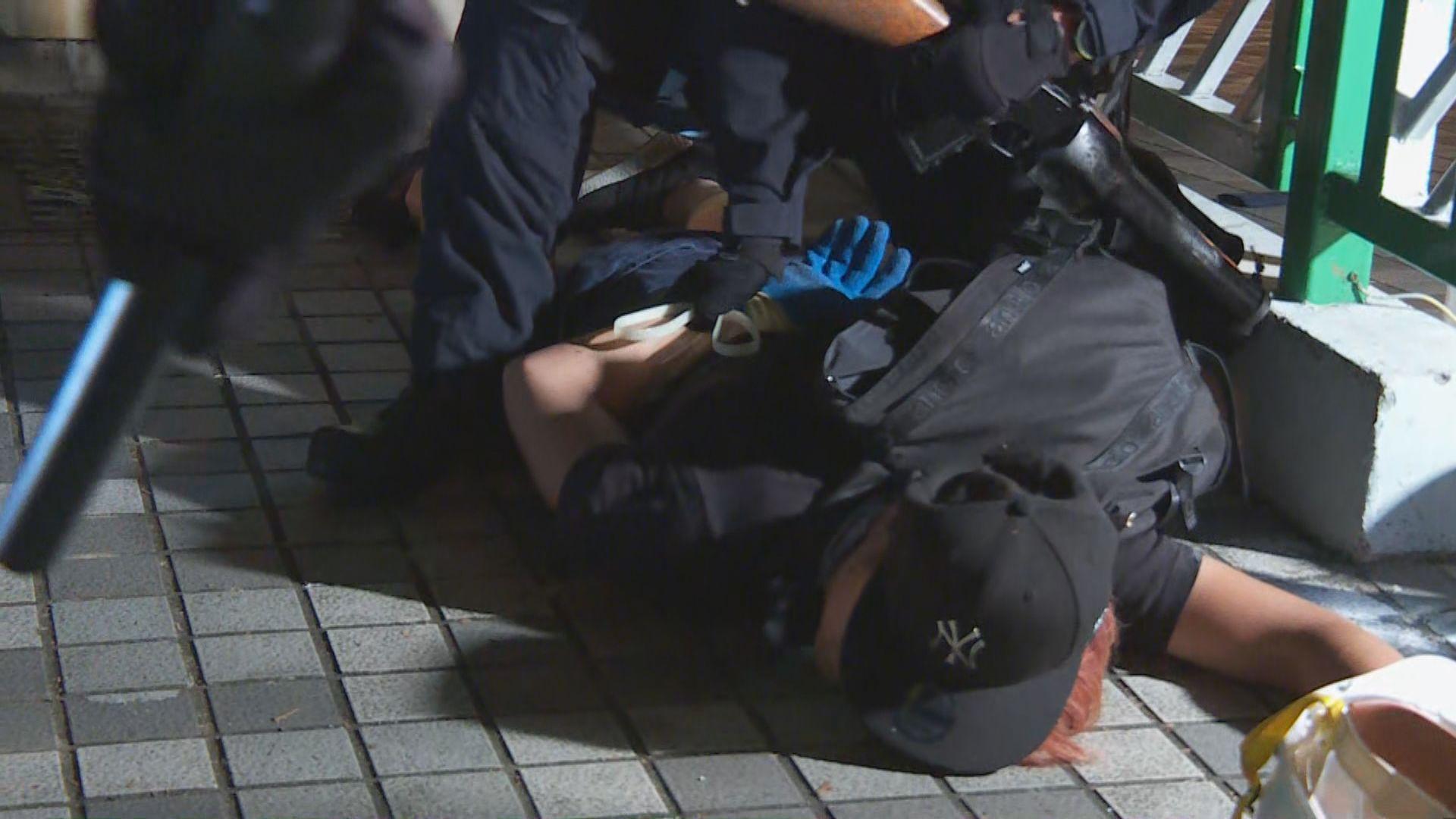 入夜後警察在黃大仙拘捕部分示威者