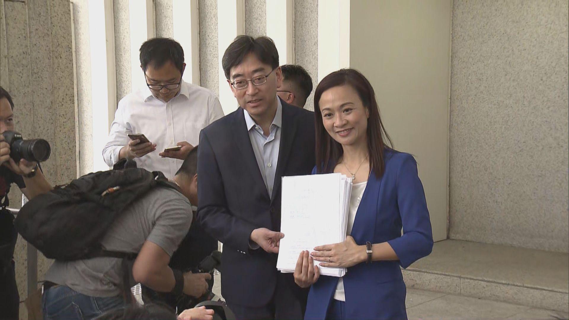 陳凱欣均無正面回應是否代表建制派參選