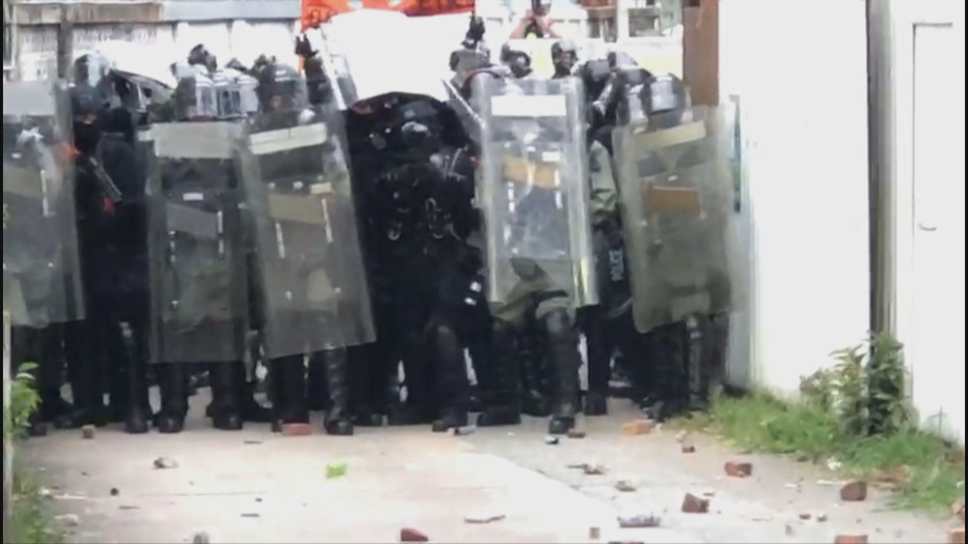元朗清場期間警方一度發射海綿彈