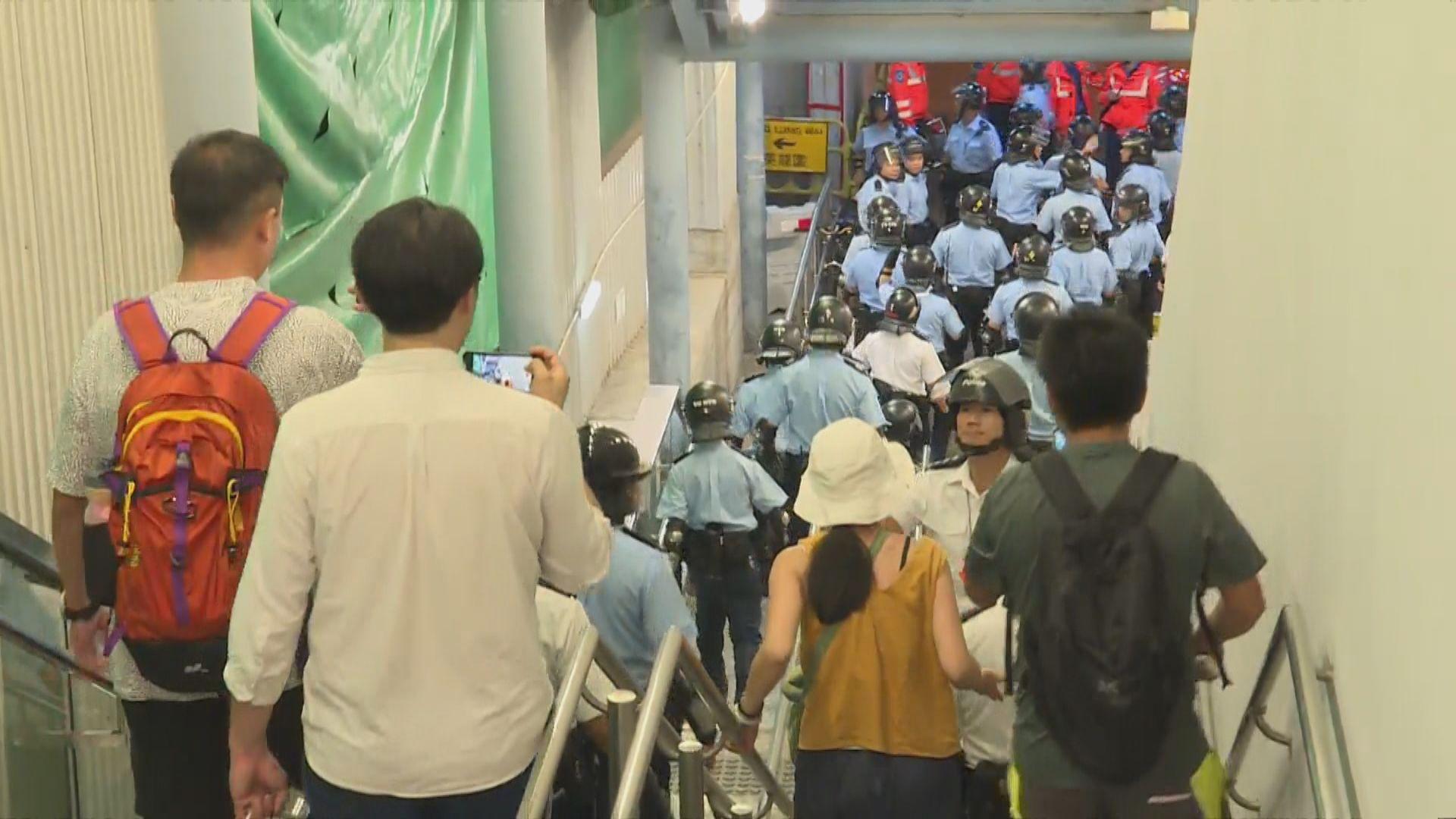 警方指支援隊伍接報後35分鐘抵達元朗站