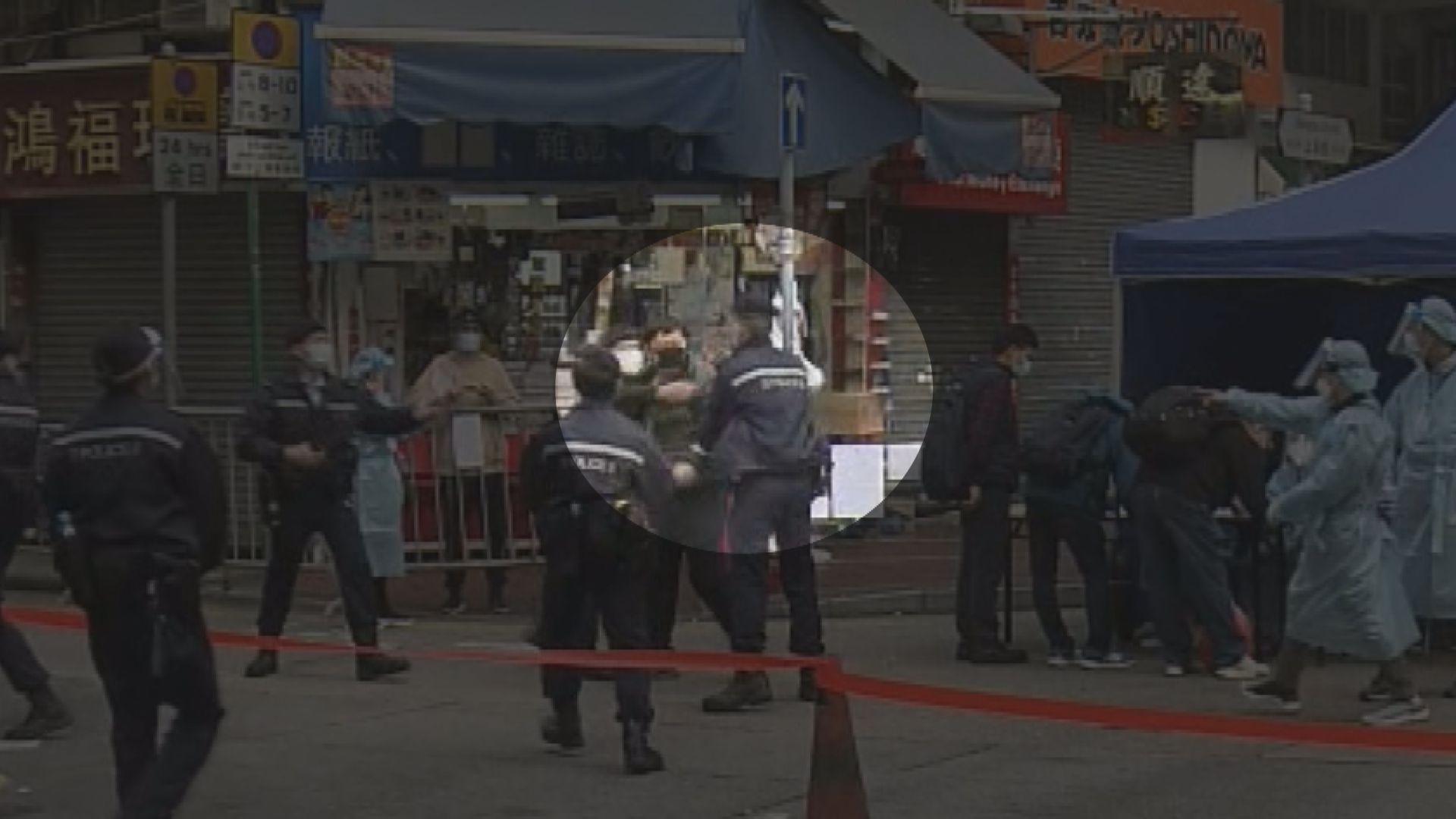 一名男子不滿受限區域安排襲警被捕