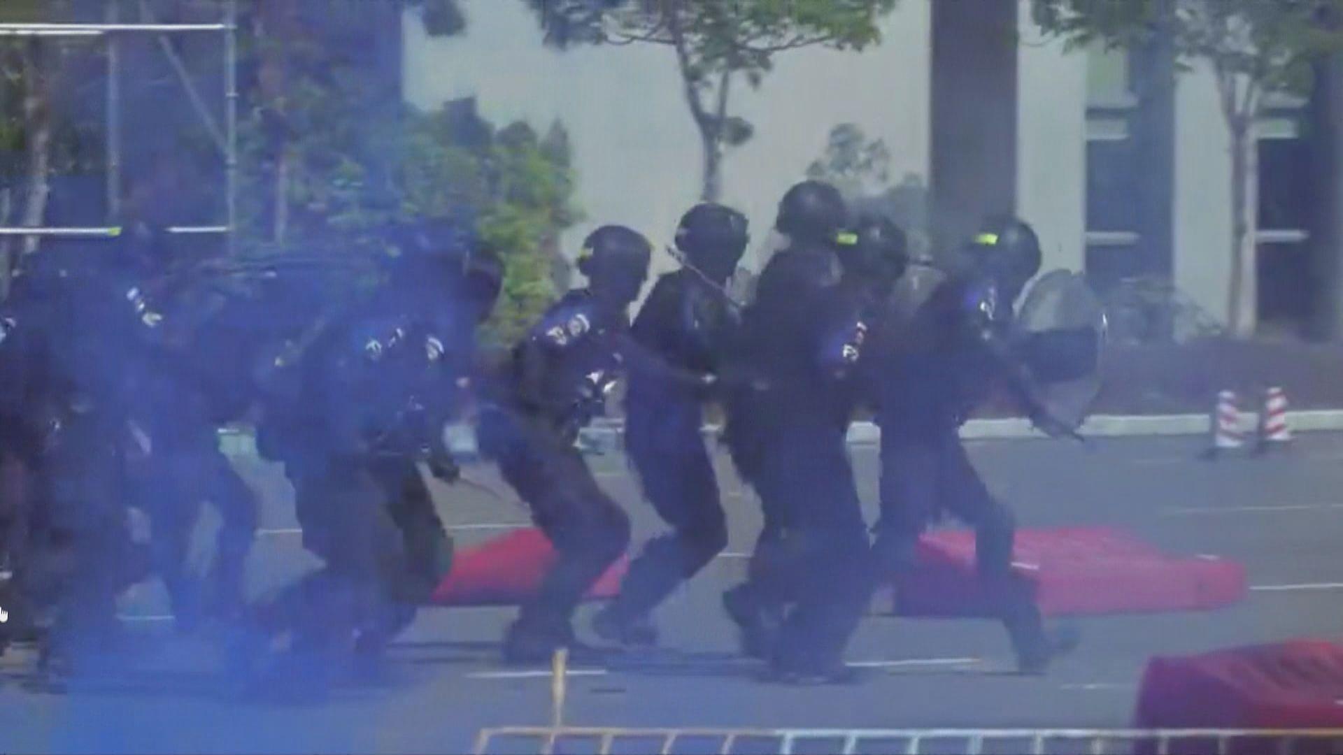 珠海公安於港珠澳大橋舉行反恐演習